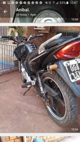 Vendo moto corven