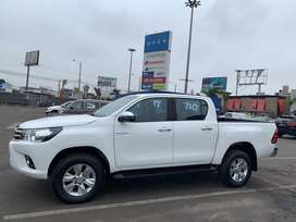 Alquiler Toyota hilux 4x4 2017