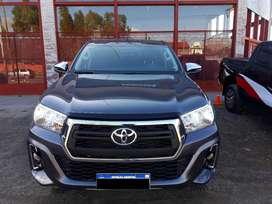 Toyota Hilux 4x2 D/C  Srv 2.8 Tdi 6 M/t