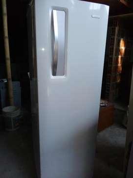 Congelador Vertical 1.70 Mts