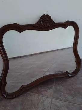 Espejo antiguo provenzal tallado