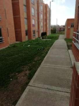Arriendo apartamento independiente amoblado 3114992926 lado