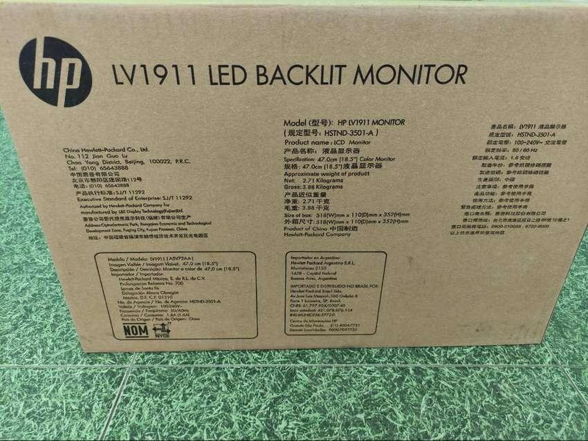 Monitor LCD HP LV1911 de 18,5 pulg. con retroiluminación LED