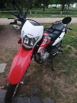 Vendo Honda xr 150 (1500km unico dueño)