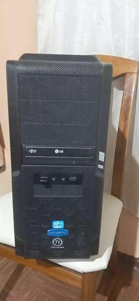 Se vende CPU I5 - 4Gb RAM - 1Gb DD - 1gb Graficos