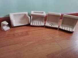 Juego de accesorios para baño en cerámica