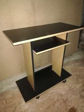 Vendo!!! mesa tv negra con detalles en roble