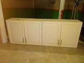 Vendo mueble en madera 4 puertas