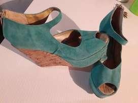 Vendo sandalia de cuero. $500