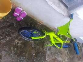 VENDO Bicicleta de salto 100$