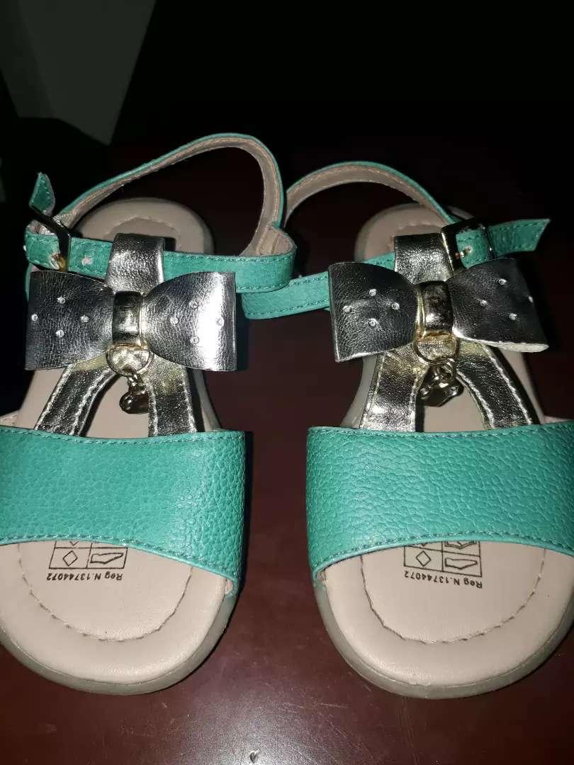 Pijama baby fresh 0-3 meses y sandalias talla 23 . Usaditos en buen estado. 0