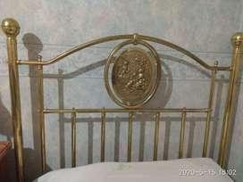 Vendo cama 1pz con 6cajones y respaldo bronce