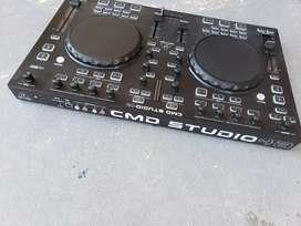 Mezcladora de 4 canales para DJ alemana Behringer CMD Studio 4a