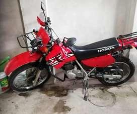 Vendo Motocicleta Honda Xl 200