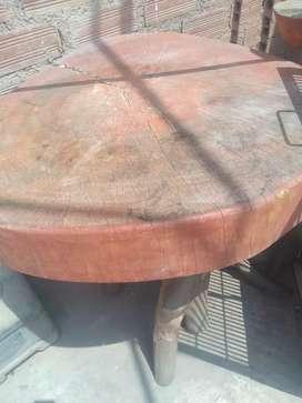 Vendo lindas mesas de madera por viaje