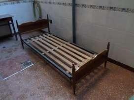 Cama 1 plaza metal y madera. Buen estado