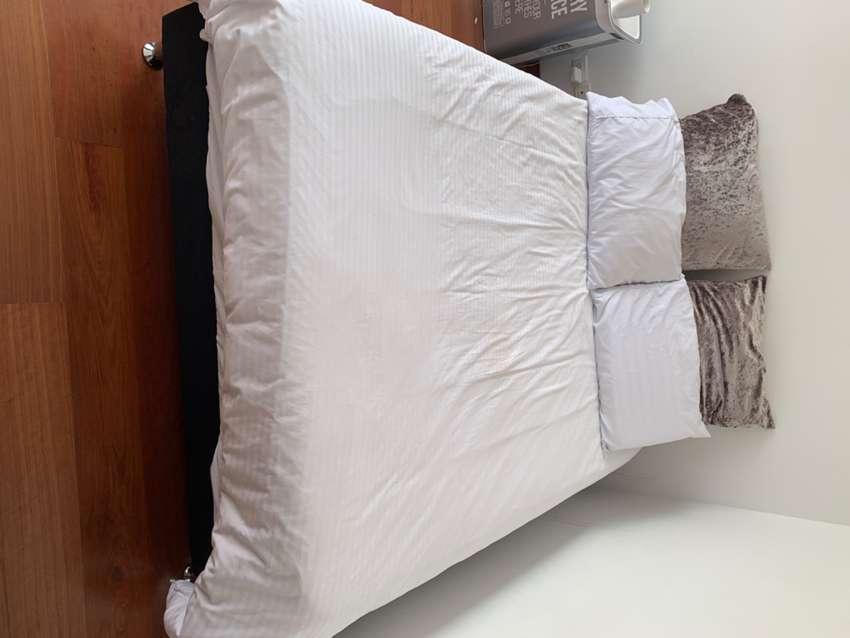 Vendo juego de cama para habitación negociables 0