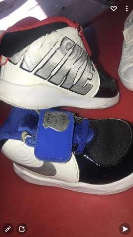 Zapatos praticamente nuevos