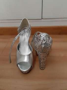 Zapatos Plateados de Fiesta Usados