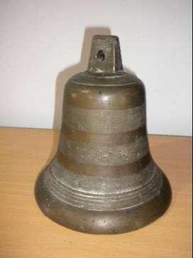 Campana antigua de bronce macizo