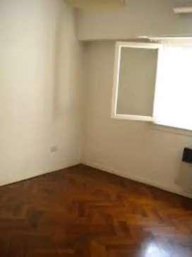 Alquilo habitación a mujer departamento amoblado acepto mascota wifi incluido mínimo tres meses, no es temporal.
