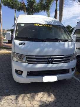 Microbus Servicio Especial Modelo 2015