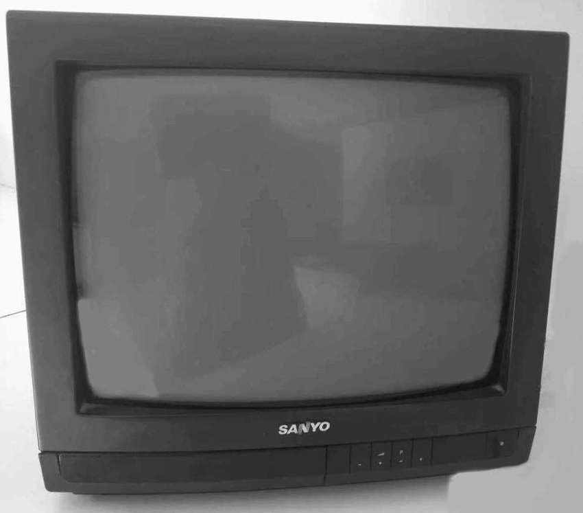 TV color Sanyo 21