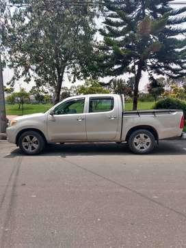 Toyota Hilux 2700 a gasolina 4x2