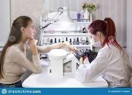 Se Solicita Manicurista Profesional