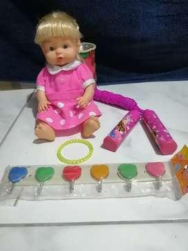 Combo de juguetes para niña.