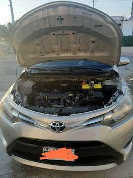 Toyota yaris full negociable