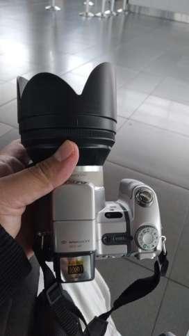 Camara Sony Cybershot Dsc-h7 De 8.1 Mp Con Zoom Optico De 15