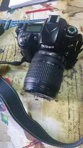 Se vende camara Nikon D80 con accesorios