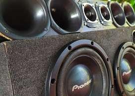 Equipo de música con potencias. Funcionando