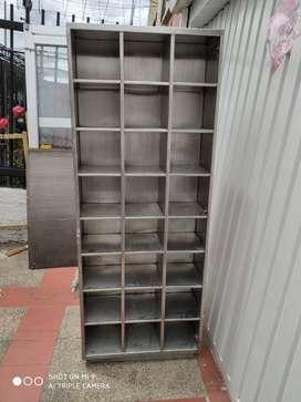Casillero en acero inoxidable alto 190 X 6O X 73 , 24 módulos por cada lado de 30 X 22Casillero en acero inoxidable alto