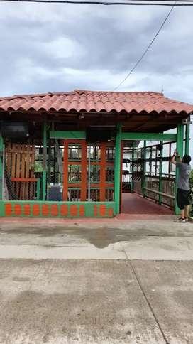 Vendo local a tan solo una cuadra de la plaza en Salento, Quindio