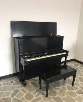 Piano Acustico Negro en Venta