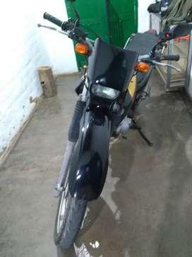 Se vende moto Yamaha XT 225 modelo 2007