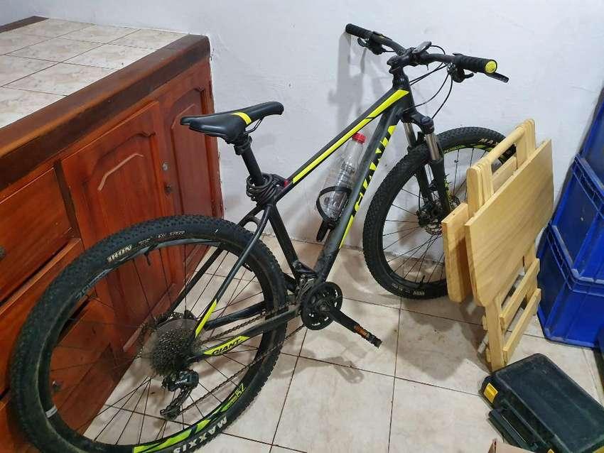 Bicicleta Giant 0