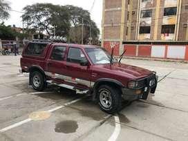 Se vende Toyota hilux japonesa 22R