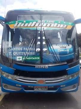 Se vende bus Hino año 2015 con Acciones y Derechos