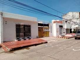 SE vende lote con parqueadero, dos locales comercial ubicado en el centro de la ciudad