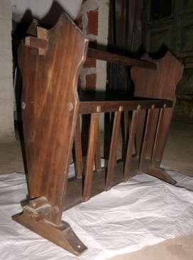Revistero de madera