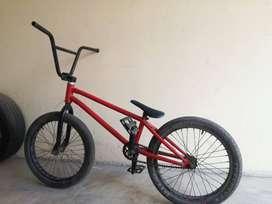 BICICLETA BMX-Roja