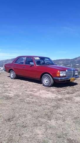 Mercedes benz 200 modelo 1982