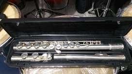Flauta Traversa Yamaha YFL211 con estuche usada