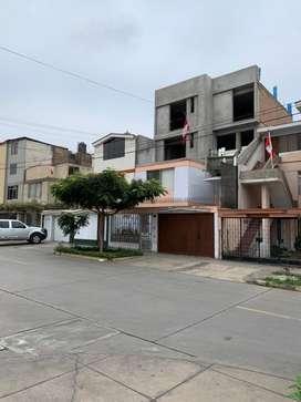 Se vende departmento duplex de 210 m2 ( 3er y 4to piso + azotea)