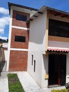 Casa en venta en La Ciudadela los Geranios cerca al Supermaxi