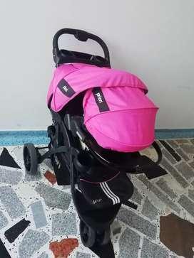 Coche negro rosado marca priori