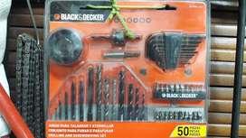SET COMPLETO PARA TALADRO 50 PZAS BLACK + DECKER (BD7806-LAC)